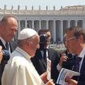 Giáo hoàng siêu đùa!