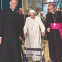 Bệnh tình Đức Nguyên Giáo Hoàng Bênêđictô XVI hiện nay ra sao?