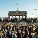 Nhận định của 2 ĐTC về sự sụp đổ của bức tường Berlin