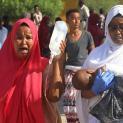 Đức Thánh Cha cầu nguyện cho các nạn nhân mới nhất của khủng bố Hồi Giáo trong vụ nổ làm rung chuyển Mogadishu